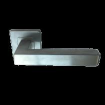 Italy Model 903 négyzetrozettás kilincsgarnitúra PZ alsórozettával