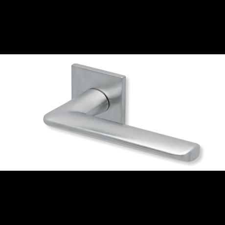 Scoop formspiele 8010 matt króm lapos négyzetrozettás kilincsgarnitúra